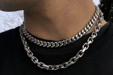 حكم ارتداء السلاسل الفضة للرجال