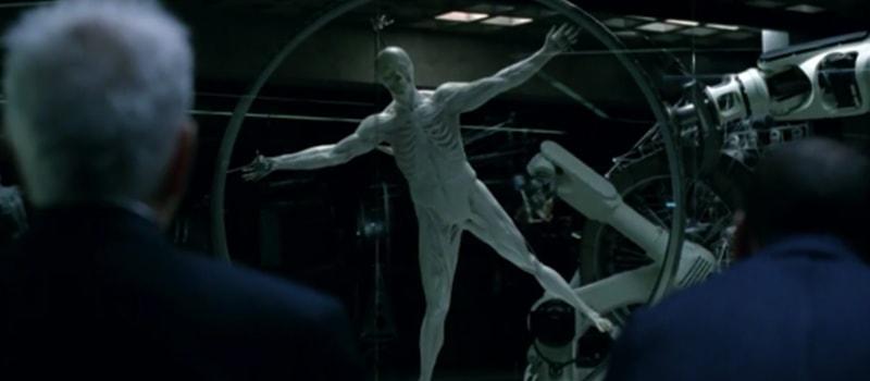 Cena de Westworld com protótipo de android