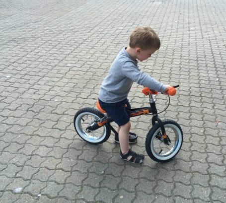 Otto har fået ny cykel