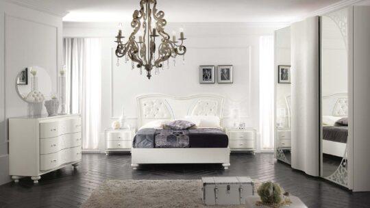 Vendita al dettaglio di cucine, camere da letto,camerette,pareti attrezzate,divani,materassi e complementi. Camere Da Letto Classiche Abitare Arredamenti