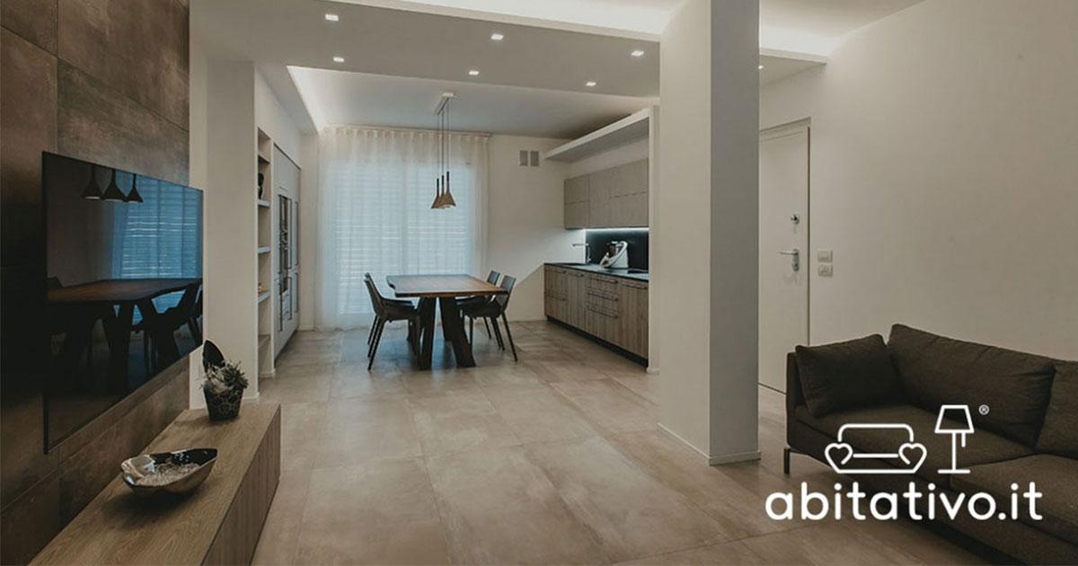 Stufi della cucina troppo piccola e del soggiorno che è una stanza isolata, grande e poco sfruttata, molte persone ricorrono. Cucina E Sala Insieme Abitativo