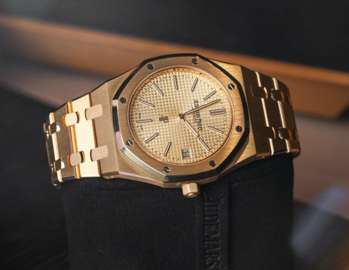 03c47830166f Audemars Piguet Extra-Thin Jumbo Royal Oak Ref. 15202 Gold Watch Hands-On