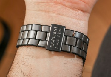 F.P. Journe LineSport Chronographe Monopoussoir Rattrapante Hands-On Hands-On
