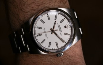 46df5a056ad Rolex Oyster Perpetual 39 114300 Black Or White Dial Watches Hands-On  Hands-On