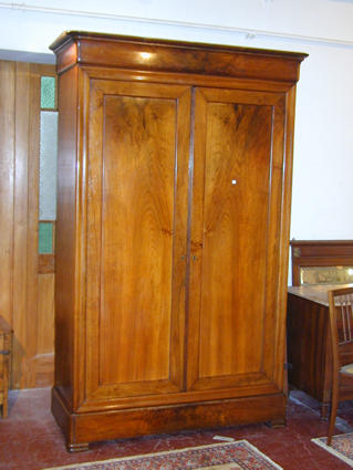 Louis Philippe Armoire