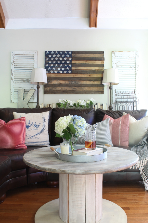 farmhouse, patriotic, americana, flags