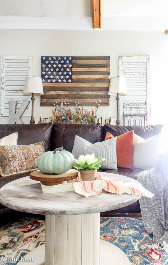 Fall decor, pumpkins, farmhouse
