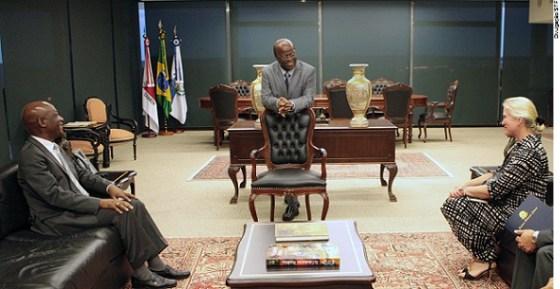 STF - Joaquim Barbosa-Mphakama Mbete - Laura Joyce