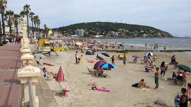 Piriapolis - Strand während der Temporada
