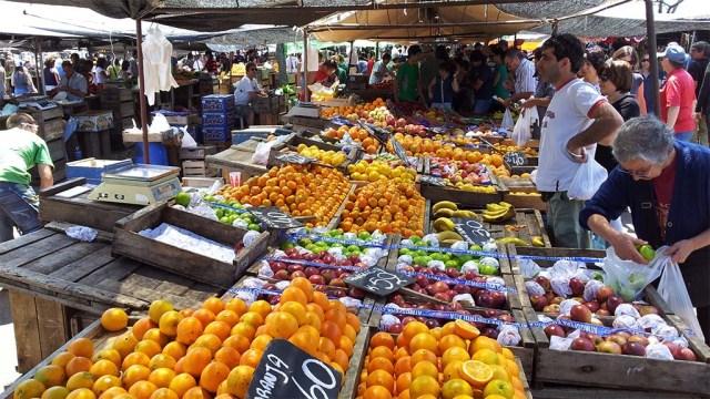 Obst- und Gemüsetand in Maldonado