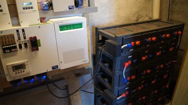 Solarsteuerung und Batteriepack