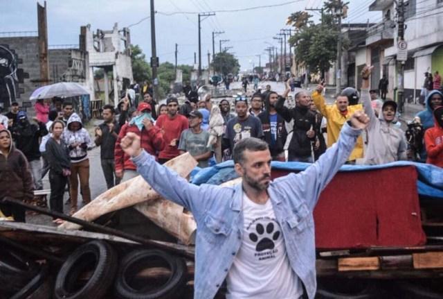 Mit Barrikaden verteidigten 700 Familien ihre Siedlung im Osten der brasilianischen Metropole São Paulo
