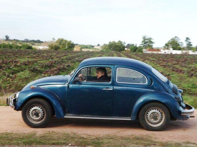 Pepe Mujica mit seinem Käfer