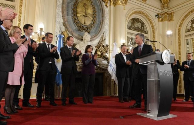 Argentiniens Präsident Macri bei der Vorstellung des neuen Bergbaugesetzes am 13. Juni