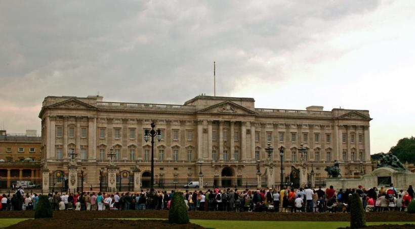 How Many Bedrooms Does Buckingham Palace Have