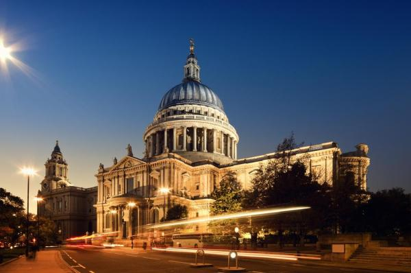 St. Paul's Cathedral on AboutBritain.com