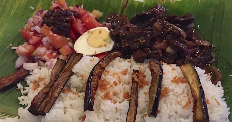 Bistek Tagalog at Carinderia ni Tandang Sora