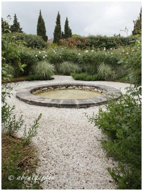 bacino acqua giardino bianco