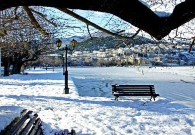 Καστοριά: Στην αγκαλιά της παγωμένης λίμνης