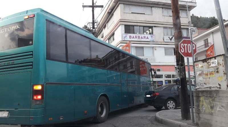 Καστοριά: Παρκάρουμε όπου μας βολεύει!