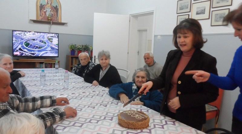 Ο Προοδευτικός έκοψε βασιλόπιτα στο Γηροκομείο Καστοριάς – φωτογραφίες