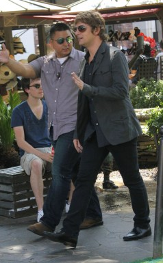 aRT_robthomas_kylecook_extra_set_Aug22-2012_ (1)