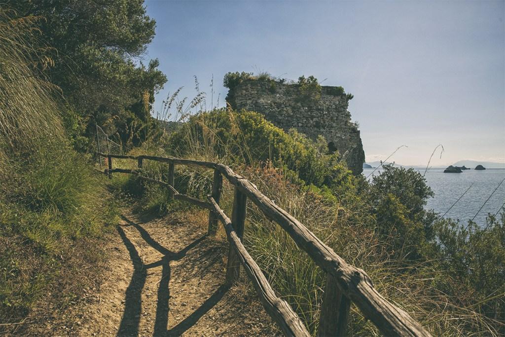 Torre Recommone e il sentiero - Massa Lubrense