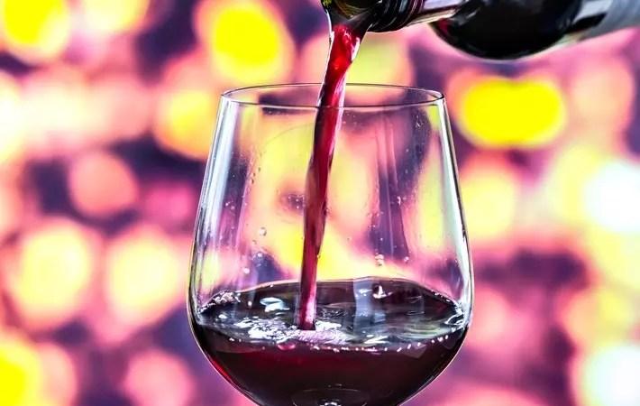 Лучшие импортные вина до 1500 рублей: новый рейтинг Роскачества