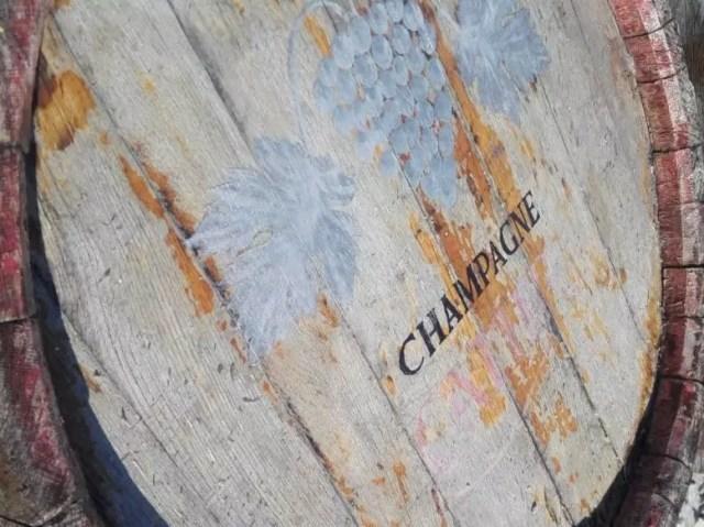 Столетние винные бочки найдены в Геленджике