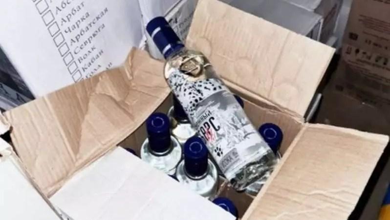 Нелегальный алкоголь. В Пскове полиция изъяла более 900 литров