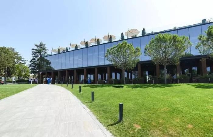«Золотая балка» открыла в Балаклаве высокотехнологичный комплекс первичного виноделия
