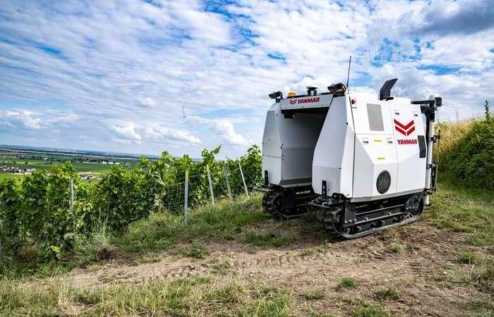 Yanmarпредставила на выставке во Франции робота-виноградаря