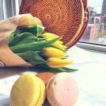 Rattan-Bag-with-Macarons