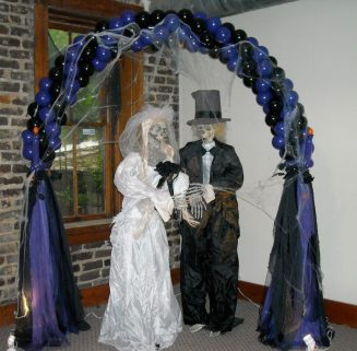 No bones about it spooky wedding arch