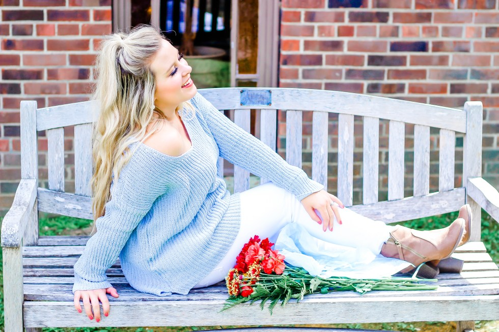 bluevneckbbsweater