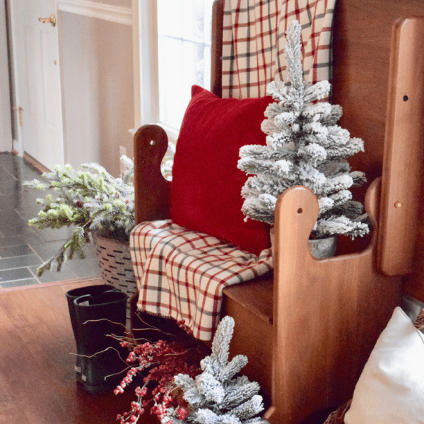 Christmas Entryway Bench Decor & My Nostalgia
