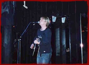 Chris Gray performing in Leverkusen, Germany, August 8th 2002