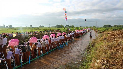 The Burmese Boat Festival