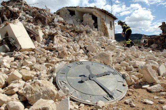 Risultati immagini per terremoto aquila