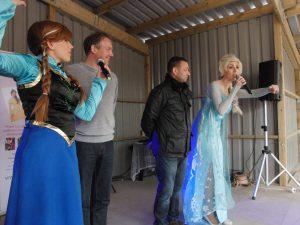 The Singing Princesses at Twinlakes Theme Park