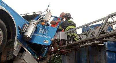 City-of-Hackensack-Fire-Department-dump-truck-paratech-rescue-extrication