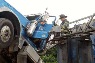 City-of-Hackensack-Fire-Department-dump-truck-paratech-rescue