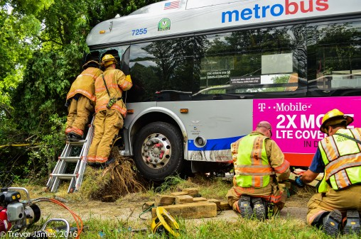 mcfrs-metrobus-accident-MCI-Extrication-Rescue (14)