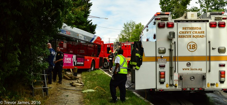 mcfrs-metrobus-accident-MCI-Extrication-Rescue (21)