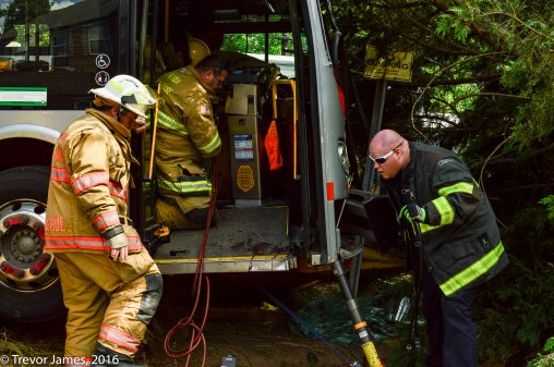 mcfrs-metrobus-accident-MCI-Extrication-Rescue (38)
