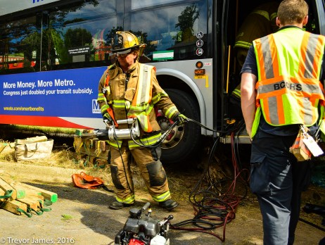 mcfrs-metrobus-accident-MCI-Extrication-Rescue (8)