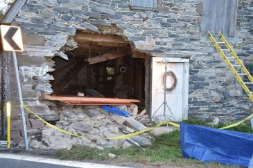 vehicle into building crashes-paratech (6)
