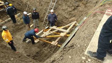 advanced-trench-rescue-shoring-symposium-day-1-paratech-ron-z-12