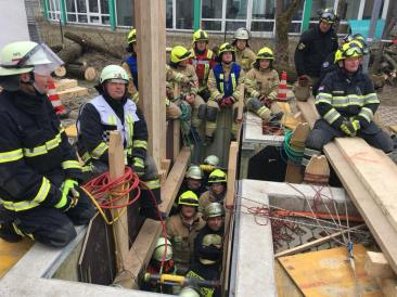 Heavy Rescue Germany Paratech Trench Training (8)
