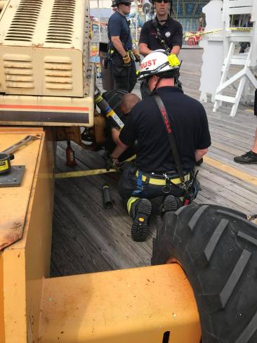 Moreys Surfside Pier for a technical rescue (2)